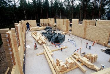 Технология строительства сруба дома из лохматого бруса