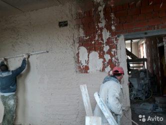 Что сначала стяжка пола или штукатурка стен?