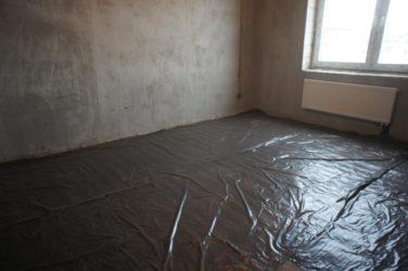 Сколько сохнет стяжка пола в квартире зимой?