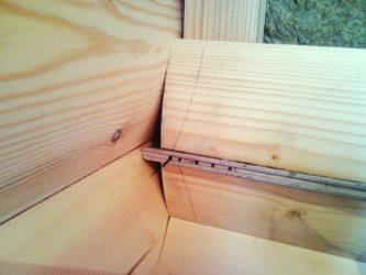 Как правильно крепить блок хаус внутри дома?