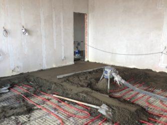 Как уложить водяной теплый пол под стяжку?