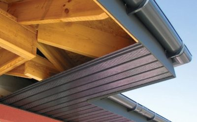 Преимущества металлических софитов для свесов крыш