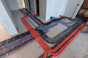 Разводка электрики по полу в стяжке