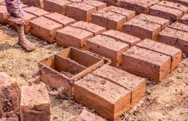 Изготовление саманных блоков своими руками