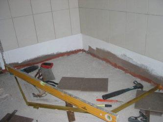 Как делать стяжку в ванной?