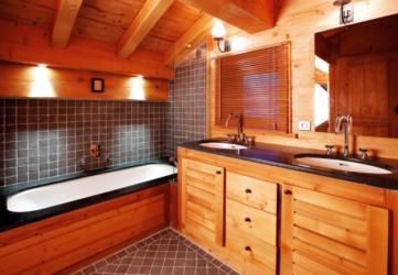 Строительство ванной комнаты в деревянном доме