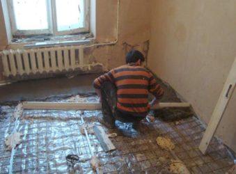 Нужна ли стяжка пола в панельном доме?