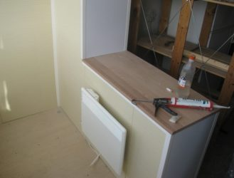 Столешница вместо балконного блока