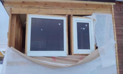 Как установить пластиковые окна в каркасный дом?