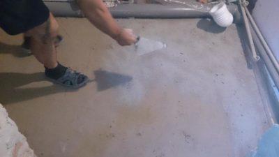 Железнение стяжки пола цементом