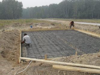 Строительство плитного фундамента для дома