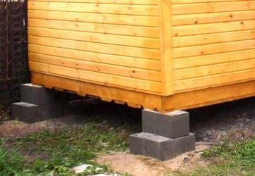 Как установить фундаментные блоки под бытовку?
