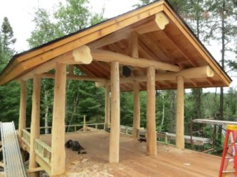 Строительство двухскатной беседки без пола из дерева