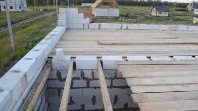 Деревянное перекрытие на газосиликатных блоках