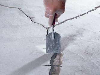 Как сделать стяжку пола без трещин?