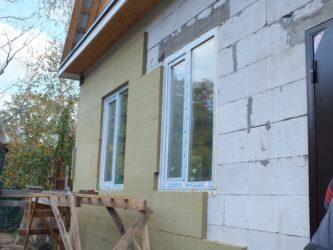 Чем утеплить фасад дома из газосиликатных блоков?