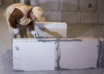 Стена из пазогребневых блоков своими руками