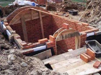 Строительство подвала из кирпича